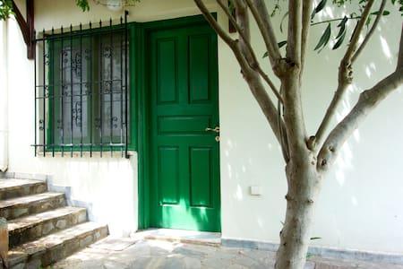 Villa Elli - Varipetro - Dom