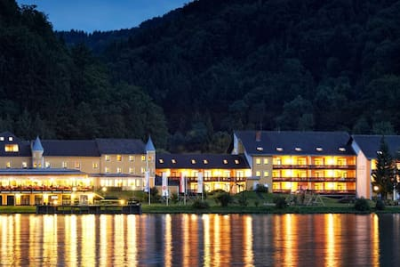 Hotel Donauschlinge - Schlögen - Penzion (B&B)