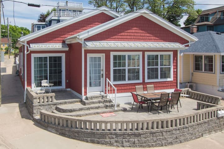 The Red Cottage is on beautiful Lake Michigan