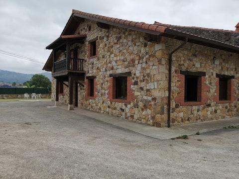Casuca 30montes al lado de Cabárceno