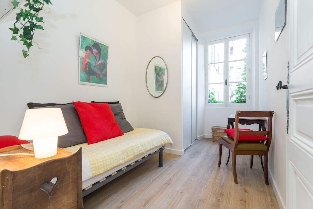 Cosy quiet down town single room appartements louer for Chambre a louer sur nice