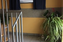 Ruhiges Zimmer auf dem Lande mit Bahnanschluss