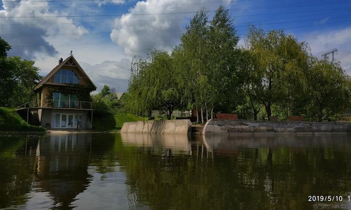 Дом у реки c видом на разлив Самары, Dnipro