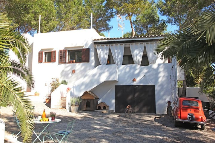 HOUSE JUST TWO STEPS AWAY THE BEACH - cala lleña San Carlos  - House