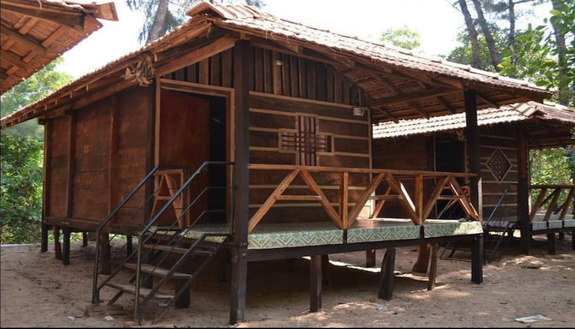 Patang Beach Resort Wooden Cottage