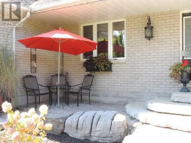 Charming Country Home  - Quinte West