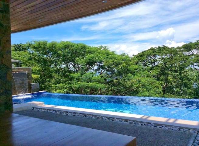 Very Private Mini Hotel 5 Star !!! - Nasugbu - House
