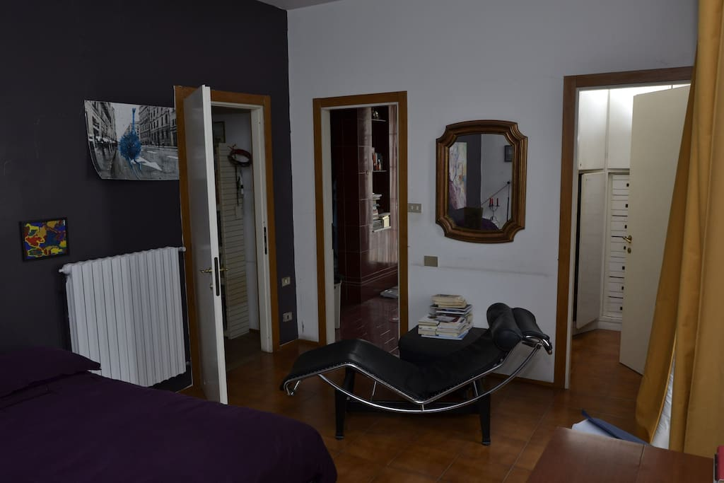 Camera da letto con Bagno  Bedroom with bathroom