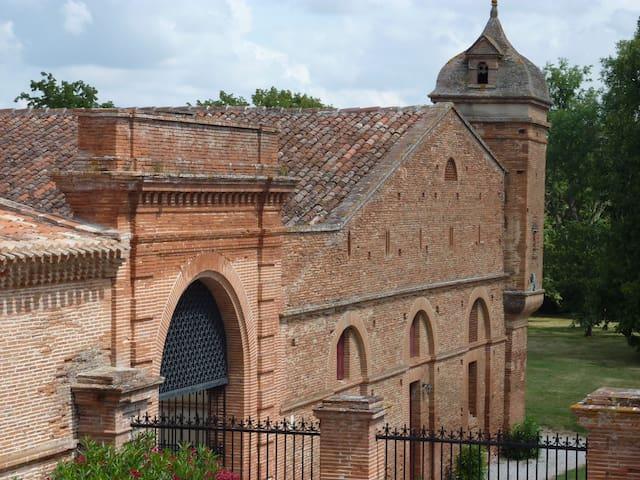 Gite au château - Cadre historique - Montlaur