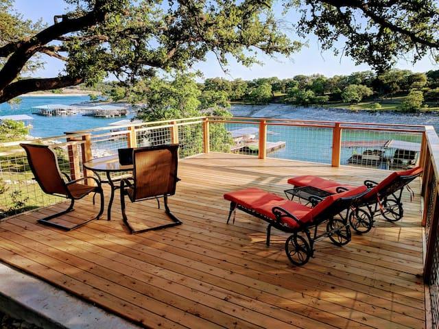 Remodeled waterfront Lake House on Lake Travis