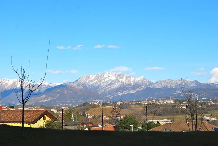 Bilocale con splendida vista - Lambrugo - Apartment