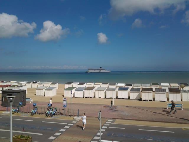 chambre dans villa sur la plage - 加來(Calais) - 家庭式旅館