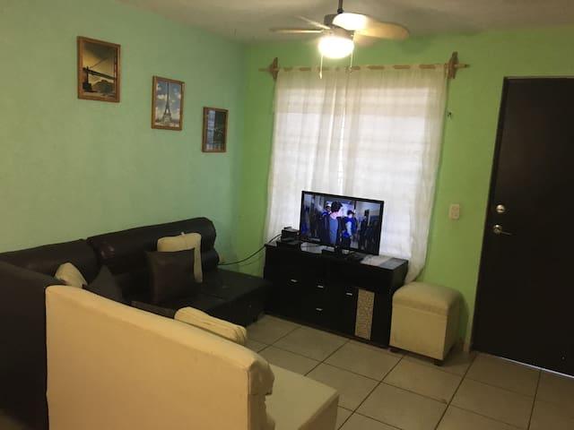 Casa  en Fraccionamiento Campo Real - Zapopan - Dům