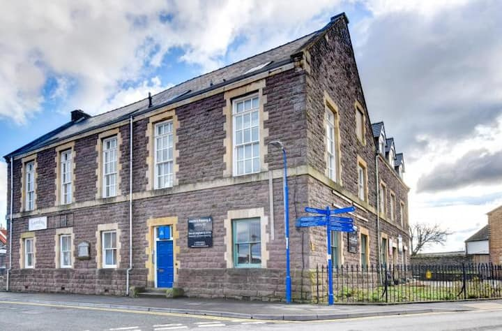 ❤️HUDSON @Sherlock Holmes - The Old Police Station