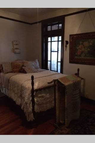 Room in historic home - Galveston - Bed & Breakfast