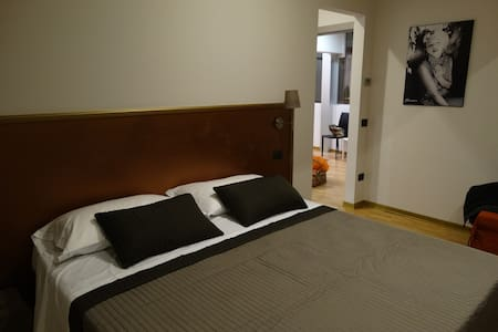 New b&b Siena (air con) - Marilyn - Bed & Breakfast
