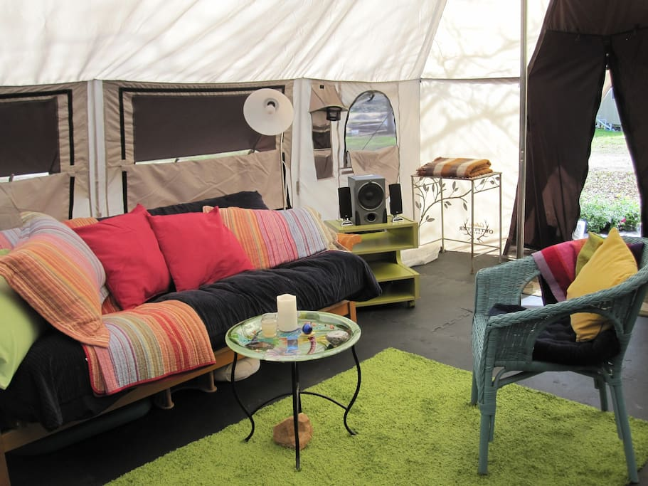 Couples' tent and outdoor treatment room