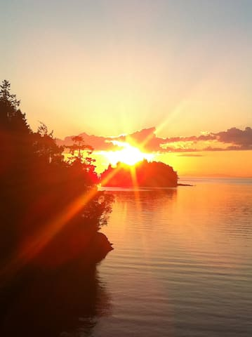 Moonshell Bay Off-Grid Retreat - Lasqueti Island - ที่พักพร้อมอาหารเช้า