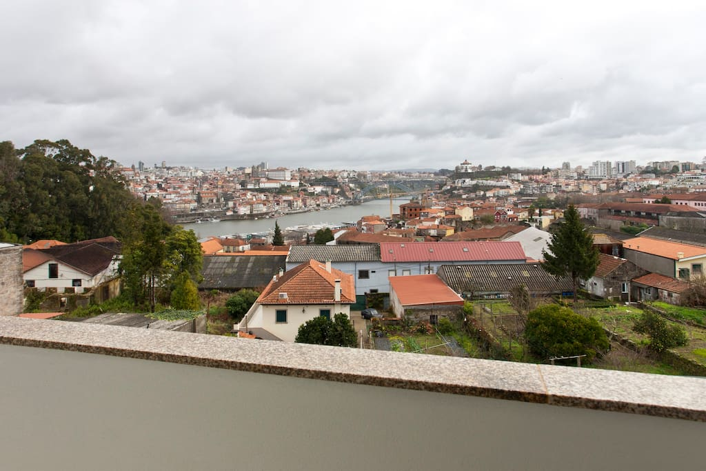 Great view of Douro river and Porto