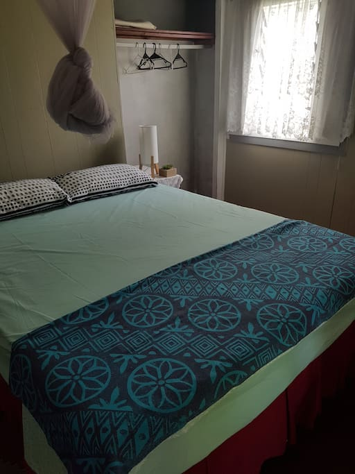 Total of 3 Comfy Queen Beds and one single bed. All with fresh linen. 1 Bath towel and 1 beach towel included with the accommodation.
