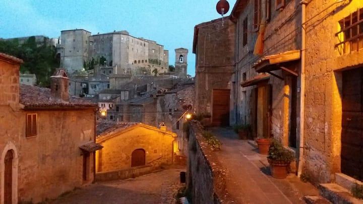nel borgo antico di Sorano ...