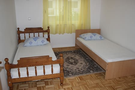 Twin room with panoramic view you'll never forget! - Solin - Bed & Breakfast