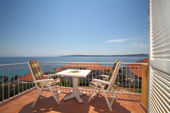 HVAR B&B/Comfort room with balcony and seaview