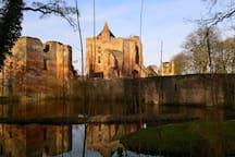 Ruins of Brederode (1,9 km)