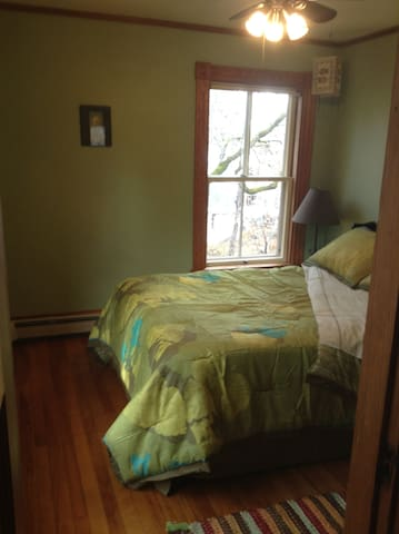 Heartwood Farmhouse Private Rm #2 - Bethel - Huis