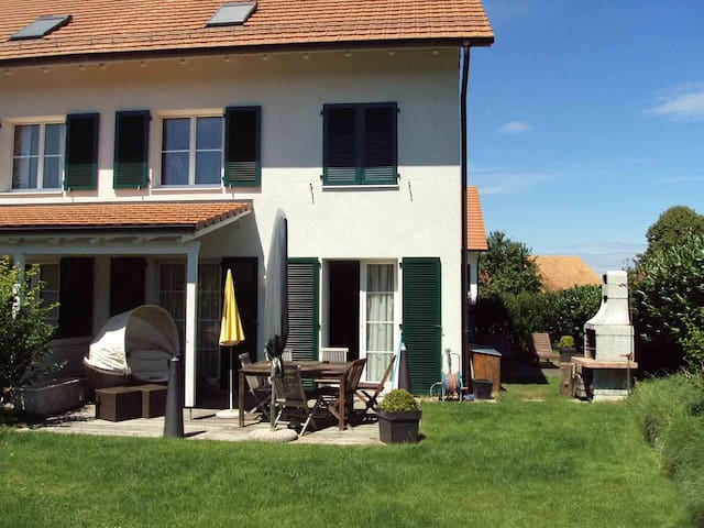 Room near Winterthur/Zurich - Wiesendangen - Bed & Breakfast