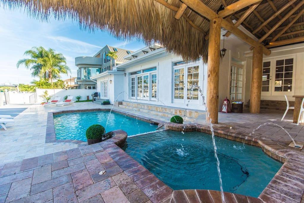 Magnificent 5 Br Canal Home Villa Riverside Houses