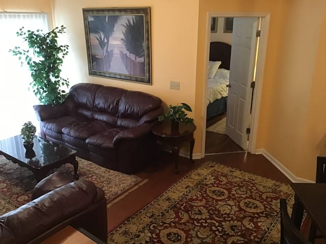 2 bedroom condo centrally located near UNCW