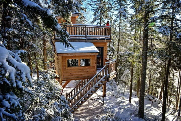 Mont-Tremblant Treehouses for up to 6 guests