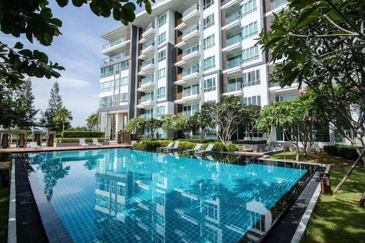 Stunning 43 Sqm 1 BR Condo. 200m to Beach - B