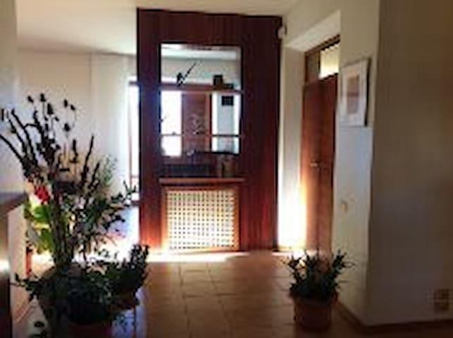 Grande appartamento per 8/9 persone - Loro Piceno - Appartement