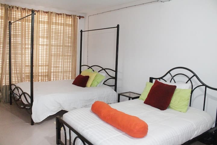 A home away from home - Kampala - Haus
