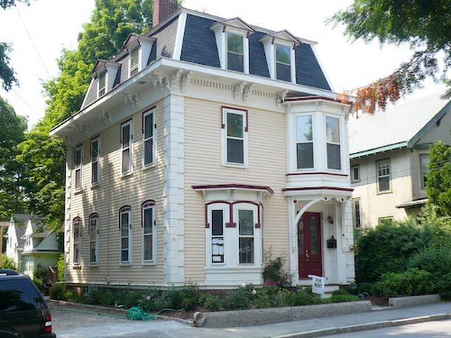 Wonderful 2 Bedroom 1st Floor  - Manchester-by-the-Sea - House