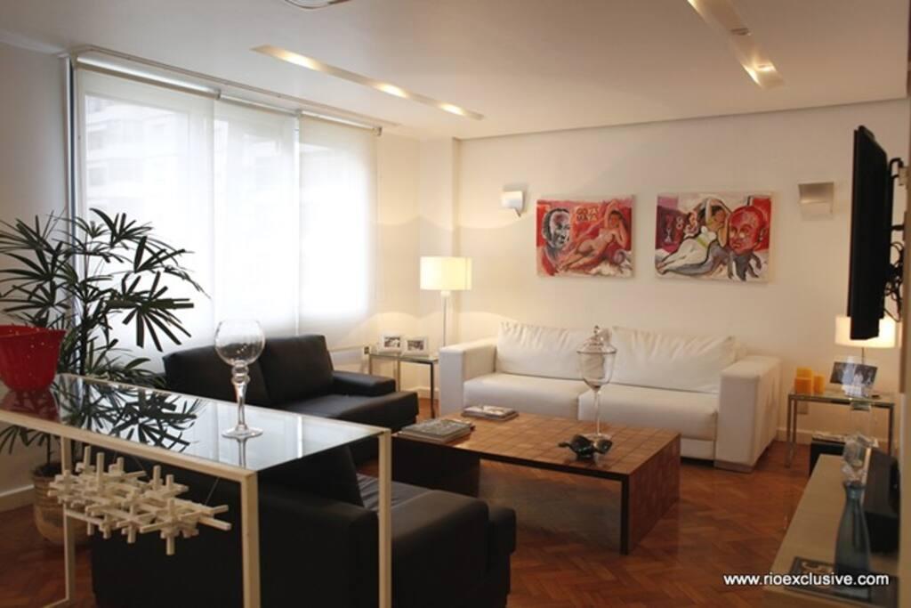 Living room/ Sala de jantar