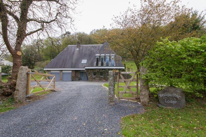 The White Room at Bridgwater Lodge, Tavistock - Devon - House
