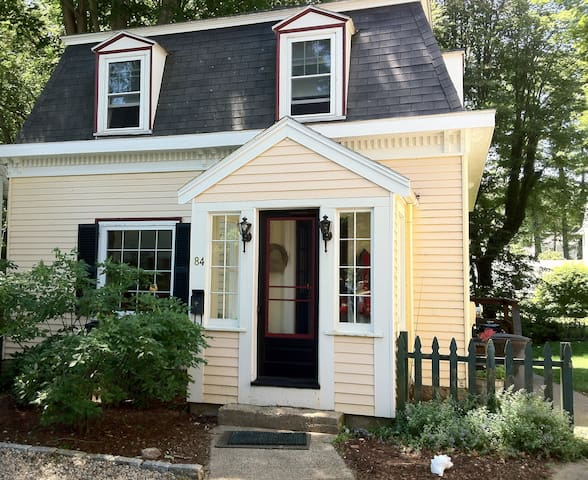 Beautiful 3-4 Bedroom Home  - Manchester-by-the-Sea - House