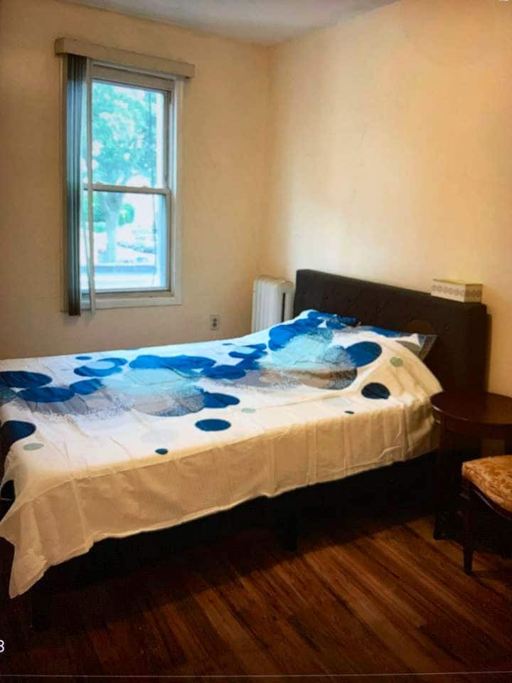 Convenient room by well known Prospect Park
