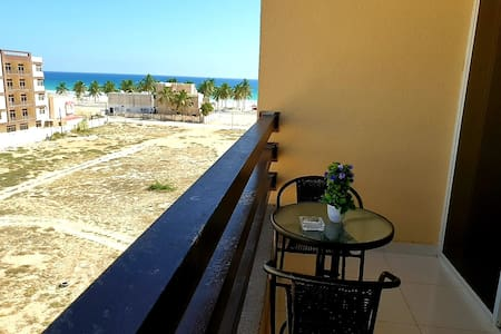 Beautiful Salalah Beach Apartment-1 with Balcony
