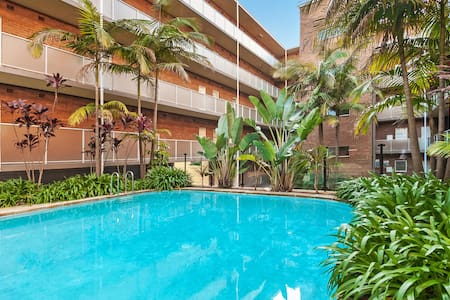Manly Tranquil Escape -  Modern Flat With Pool - Apartment