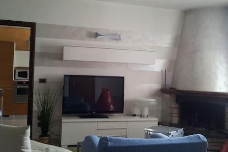 Stanza e bagno privati a Brescia - Flero