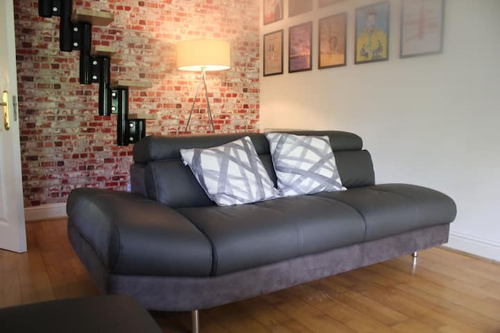 2 Bed Stylish Apartment Galway city