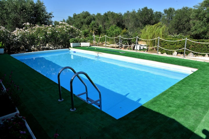 il Trullo mariposa con piscina