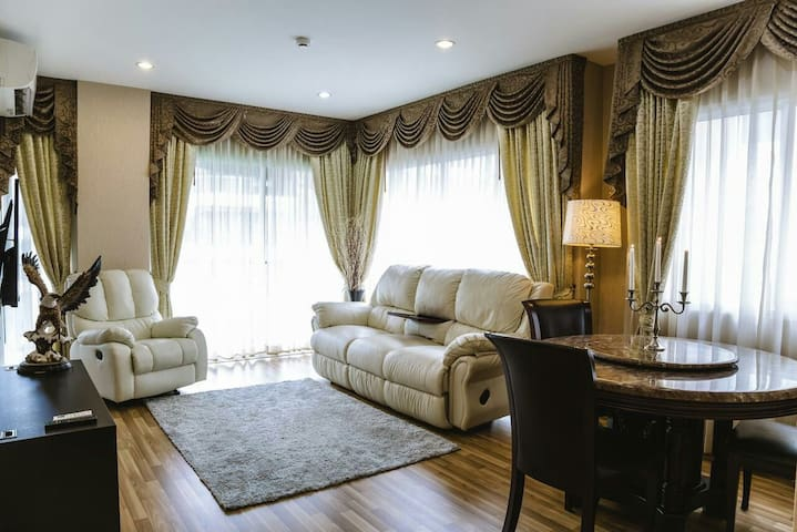 2 Bedroom Apartment 68m - Паттайя