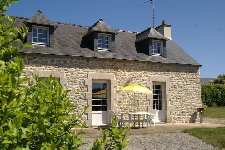 Quaint Holiday Home in Elliant France With Garden
