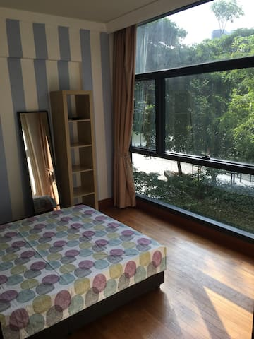 Cosy & quiet bedroom by the river - Singapore - Huoneisto