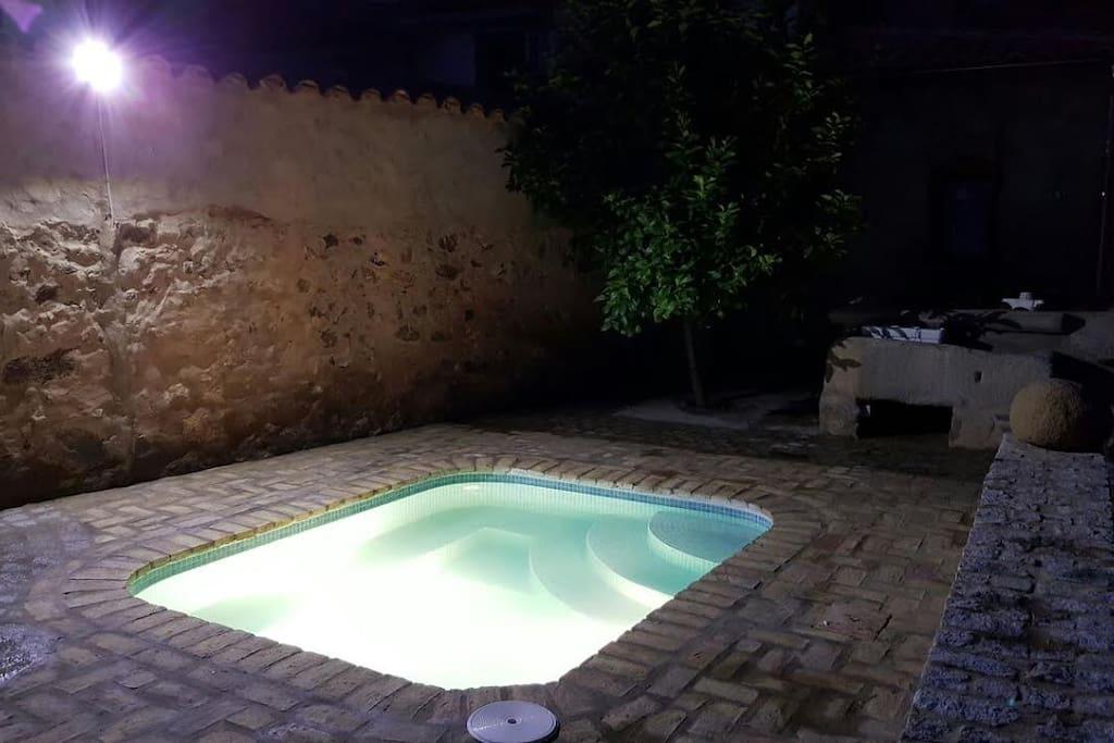 piscina-patio. zona común